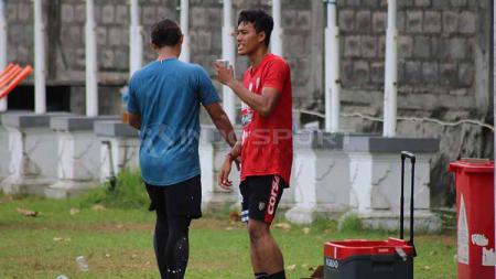 Andhika Bali United dalam sesi latihan - INDOSPORT