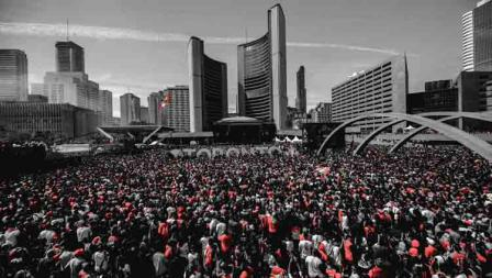 Sekitar dua juta orang mengikuti parade Toronto Raptors untuk rayakan gelar juara NBA 2019.