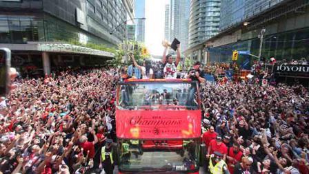 Toronto Raptors merayakan gelar juara klub basket NBA Toronto Raptors.