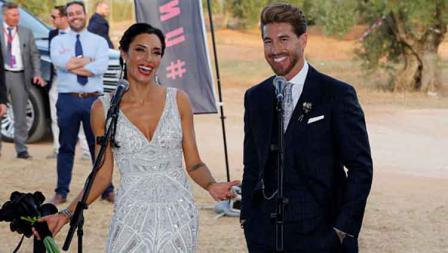 Sergio Ramos dan Pilar Rubio tak berhenti terlihat semringah di hari penikahannya.