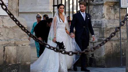 Sergio Ramos bersama sang istri, Pilar Rubio.