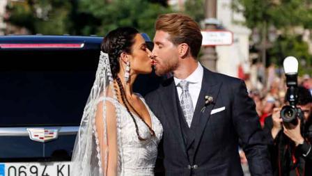 Momen romantis Sergio Ramos dan Pilar Rubio.