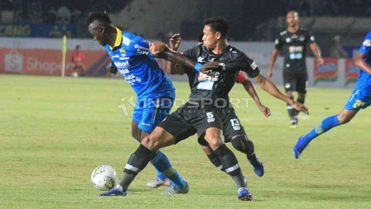 Pemain striker Persib Bandung, Ezechiel N