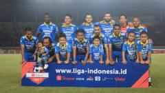 Indosport - Tiga pemain Persib Bandung akan dipinjamkan ke Blitar Bandung United di Liga 2. Foto: Arif Rahman/INDOSPORT