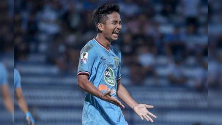 Bintang muda Persela Lamongan, Hambali Tolib, kembali ke Indonesia setelah dua bulan menjalani trial di klub Liga Kroasia, NK Lokomotiva Zagreb. - INDOSPORT