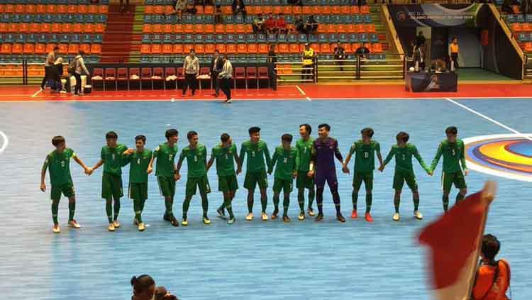 Timnas Futsal Indonesia U-20 merayakan kemenangan di Piala AFC Futsal U-20 2019, Sabtu (15/06/19). Copyright: Twitter/@kbri_tehran