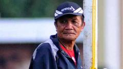Indosport - Mantan arsitek Persipura Jayapura dan legenda PSMS Medan, Tumpak Uli Sihite, meninggal dunia pada usia 77 tahun. Foto: TEMPO/Zulkarnain