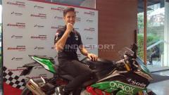 Indosport - Pembalap muda Indonesia, Ali Adrian dalam Kejuaraan Asian Superbike 1000cc. Foto: Shintya Anya Maharani/INDOSPORT