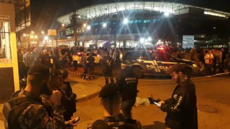 Seorang pria ditemukan tewas di luar Arena do Gremio sebelum pertandingan Uruguay vs Jepang. - INDOSPORT