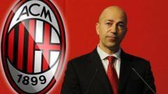 Indosport - Berbeda dengan Paolo Maldini, evaluasi dan pengawasan akan dilakukan oleh Elliott Management untuk CEO klub AC Milan, Ivan Gazidis.