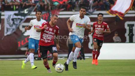Pertandingan antara Bali United vs PSIS Semarang pada Liga 1, Sabtu (22-06-19). Foto: Nofik Lukman Hakim/INDOSPORT - INDOSPORT