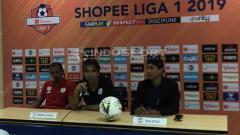 Indosport - Persipura Jayapura harus kembali menelan hasil tak menyenangkan 1-2 setelah bertandang ke markas Tira Persikabo di Stadion Pakansari, Minggu, (23/06/19). Foto: Alfia Fadilla/INDOSPORT