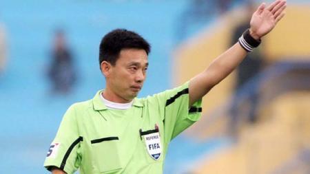 Vo Minh Tri, wasit sepak bola Vietnam. - INDOSPORT