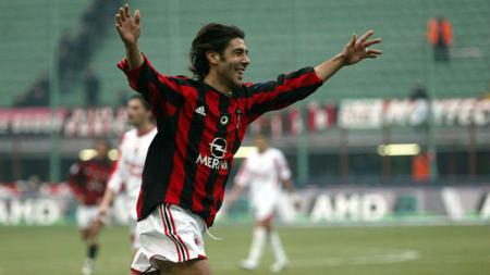 Rui Costa semasa masih membela AC Milan - INDOSPORT