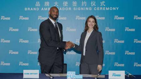 Kobe Bryant jadi Duta Resmi situs online FUN88. Foto: Press Release - INDOSPORT