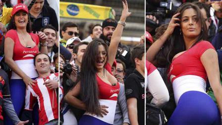 Deretan foto aksi Larissa Riquelme saat menyaksikan laga perempatfinal Paraguay vs Brasil di laga Copa America di Estadio Único Ciudad de La Plata (17/07/11). Wagner Carmo/LatinContent via Getty Images
