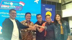 Indosport - Pemerintah Provinsi Sumsel selaku tuan rumah MXGP pada 5-7 Juli, memastikan jika tiket kejuaraan dunia MXGP 2019 sudah diperjual belikan.
