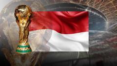 Indosport - Bendera Indoesia dan trofi Piala Dunia