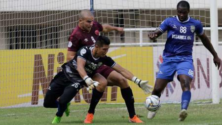 Wiljan Pluim membuat peluang pada laga PSM Makassar vs Becamex Binh Duong di Piala AFC 2019, Rabu (26/06/19). - INDOSPORT