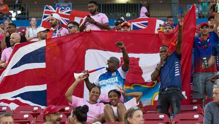 Antusiasme suporter timnas Bermuda di tribune melawan Kosta Rika di Toyota Stadium (20/06/19). David Buono/Icon Sportswire via Getty Images