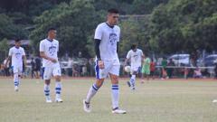 Indosport - Pemain Persib, Fabiano Beltrame saat berlatih di Lapangan Saraga ITB, Kota Bandung, Rabu (26/6/19).