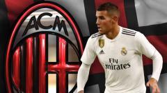 Indosport - Theo Hernandez dan logo AC Milan