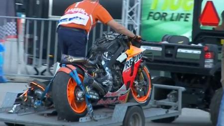 Motor Jorge Lorenzo yang hancur saat kecelakaan FP1 MotoGP Belanda 2019 - INDOSPORT