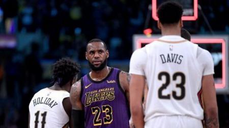 LeBron James tak segan-segan memberi pujian untuk rekannya di LA Lakers, Anthony James. - INDOSPORT