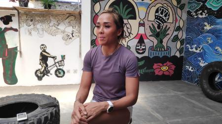 Jemima Djatmiko, atlet Crossfit asal Indonesia ketika diwawancara oleh INDOSPORT. Foto: Cosmas Bayu/INDOSPORT - INDOSPORT