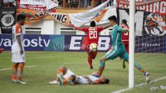 Indosport - Selebrasi Bambang Pamungkas usai menjebol gawang Borneo FC di pertandingan Persija Jakarta vs Borneo FC di Stadion Wibawa Mukti, Cikarang, Sabtu (29/06/19). Foto: Herry Ibrahim/INDOSPORT
