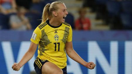 Stina Blackstenius, pemain sepak bola Timnas Wanita Swedia - INDOSPORT