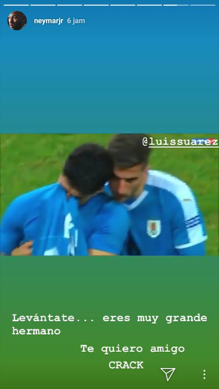 Neymar memberikan dukungan untuk Luis Suarez lewat InstaStory Copyright: Instagram/Neymarjr