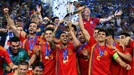 Timnas Spanyol U-21 telah berhasil meraih gelar juara Euro U-21 2019 setelah mengalahkan Jerman di partai final dengan skor 2-1, Senin (01/07/19) dini hari WIB. Alessandro Sabattini/Getty Images - INDOSPORT