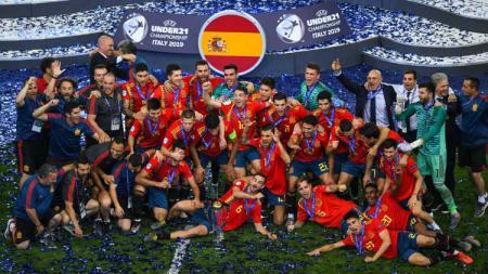 Spanyol U-21 merengkuh trofi Euro U-21 2019, Senin (1/7/19). - INDOSPORT