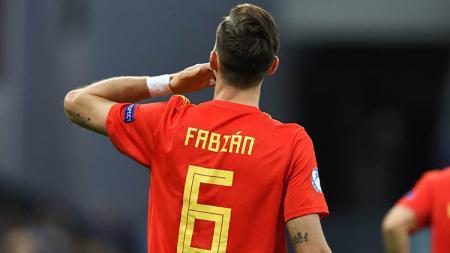 Pemain muda Timnas Spanyol U-21 Fabian Ruiz saat dinobatkan sebagai pemain terbaik Euro U-21 2019. - INDOSPORT