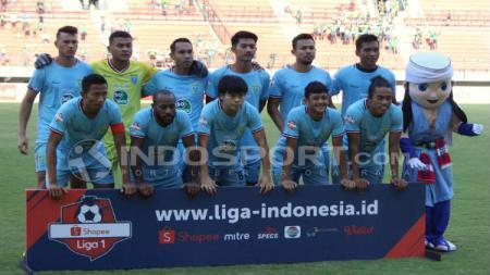 Persela Lamongan memutuskan langsung balik ke Lamongan setelah batal berlaga menghadapi Perseru Badak Lampung. - INDOSPORT