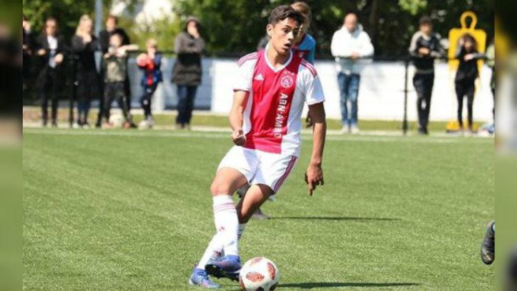 Tristan Gooijer saat bermain bersama akademi Ajax Copyright: https://www.instagram.com/tristangooijer/