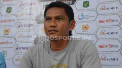 Indosport - Asisten Pelatih Cilegon United, Imam Riyadi memberi komentar pasca kemenangan telak timnya atas PSMS Medan.
