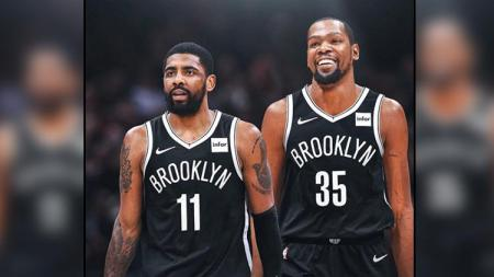 Kyrie Irving dan Kevin Durant di Brooklyn Nets. - INDOSPORT