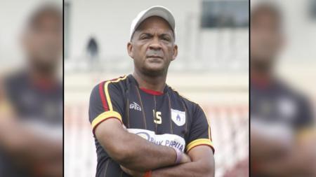 Pelatih Sementara Persipura Jayapura, Lydio Souza - INDOSPORT