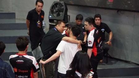 Lama tak berkiprah di panggung MPL Indonesia, Louvre eSports muncul dengan kabar kontroversial. - INDOSPORT