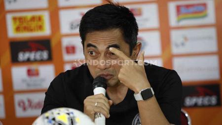 Pelatih PSS Sleman, Seto Nurdiyantoro, dalam jumpa pers jelang laga Liga 1 2019 melawan Persija Jakarta. - INDOSPORT