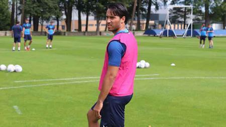 Ezra Walian latihan bersama klub Liga 3 Inggris, Tranmere Rovers - INDOSPORT