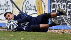 Indosport - Aksi penyelamatan Mulyadi Emil Audero dalam sesi latihan bersama timnas Italia U-21. Giuseppe Bellini/Getty Images