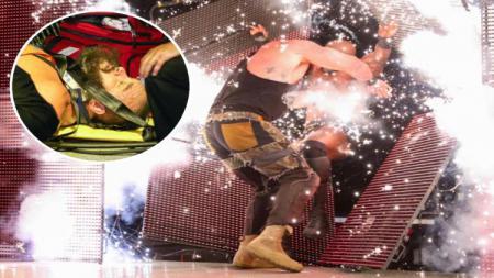Bintang WWE Braun Strowman dan Bobby Lashley alami kecelakaan horor saat bertanding. - INDOSPORT
