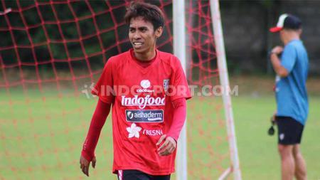Gelandang asal Palu, Fadil Sausu sudah bergabung dalam latihan Bali United di Lapangan Karya Manunggal, Sidakarya, Denpasar. - INDOSPORT