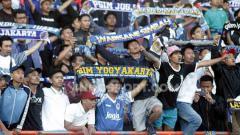 Indosport - Suporter PSIM Yogyakarta, Brajamusti mendapat pujian dari Sutanto Tan.