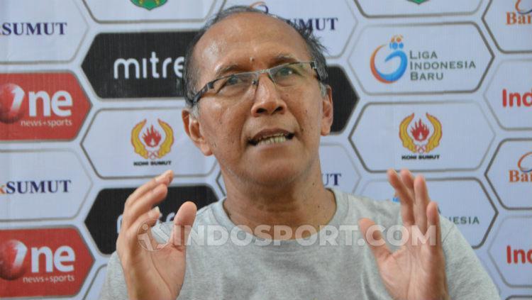 Pelatih Cilegon United, Bambang Nurdiansyah. Foto: Aldi Aulia Anwar/INDOSPORT Copyright: Aldi Aulia Anwar/INDOSPORT
