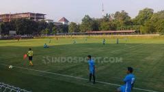 Indosport - UII bikin Yogyakarta punya banyak lapangan berkelas internasional.