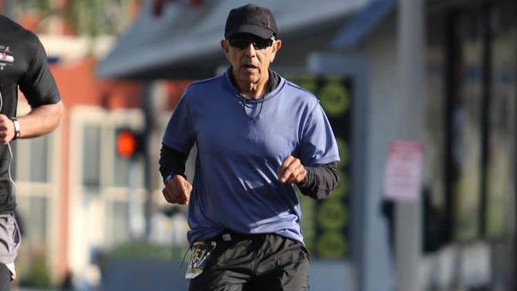 Frank Meza, pelari berusia 70 tahun yang kedapat melakukan kecurangan Copyright: Los Angeles Times